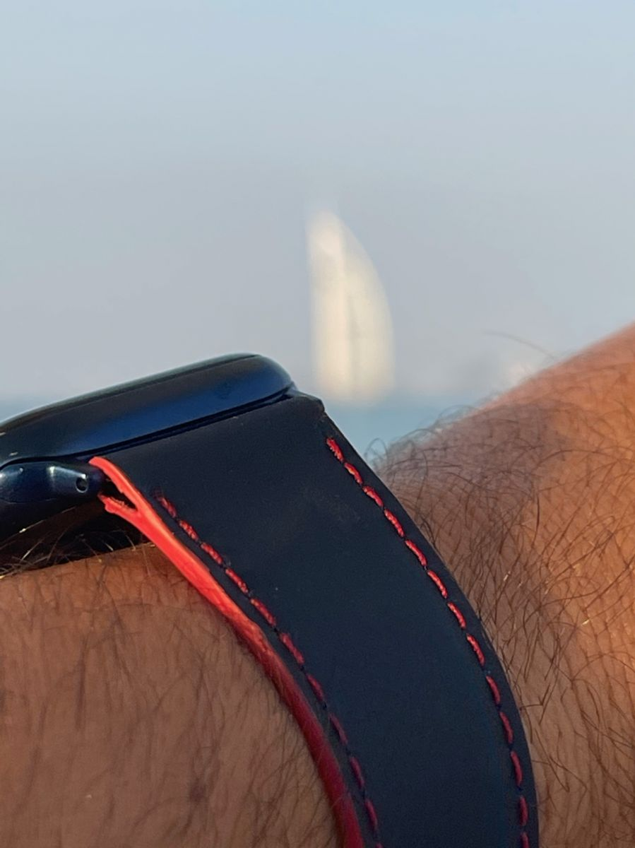 Recycled Rubber Strap (Apple Watch All Series) / NAVY BLUE. RED stitching