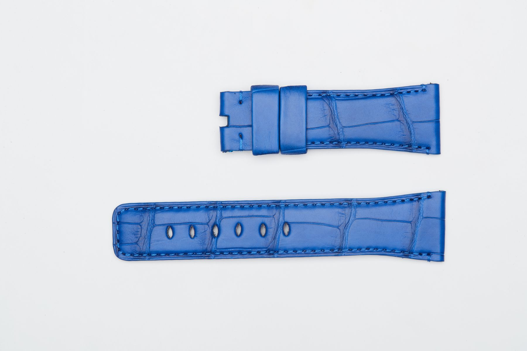 Hydro Alligator Leather strap for Apple Watch (All series) / BLUE LAPIS