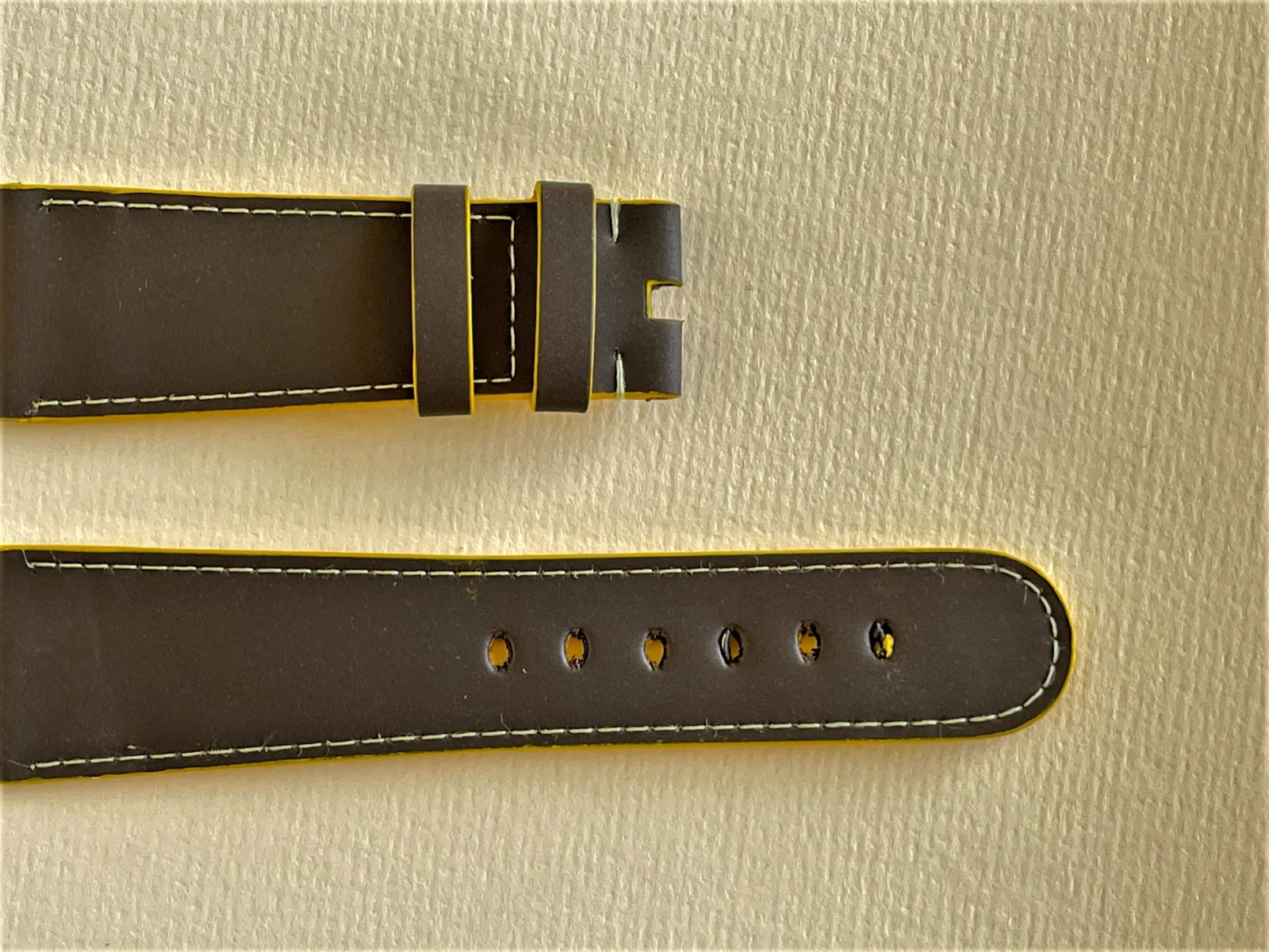 Brown Recycled Rubber Strap 16mm, 18mm, 19mm, 20mm, 21mm, 22mm General style